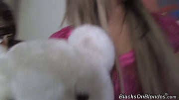Aleska Diamond - Blacks On Blondes