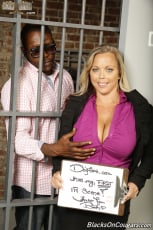 Amber Lynn Bach - Blacks On Cougars (Thumb 01)