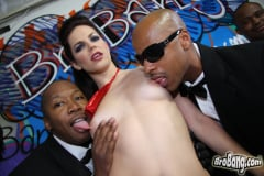 Bobbi Starr - Interracial Blowbang (Thumb 10)