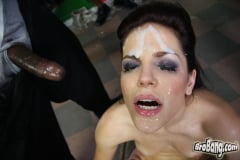 Bobbi Starr - Interracial Blowbang (Thumb 29)