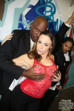 Chanel Preston - Interracial Blowbang (Thumb 04)