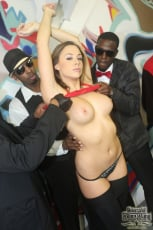Chanel Preston - Interracial Blowbang (Thumb 08)