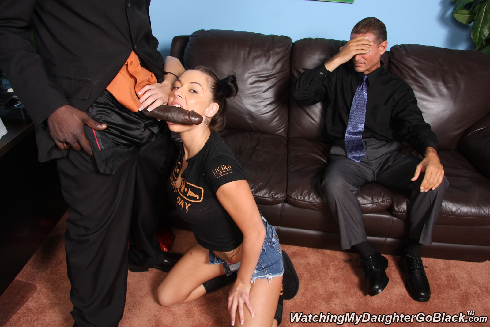 Трахают жену в присутствии мужа 1 фотография