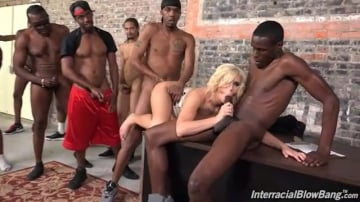 Cindy Lou - Interracial Blowbang