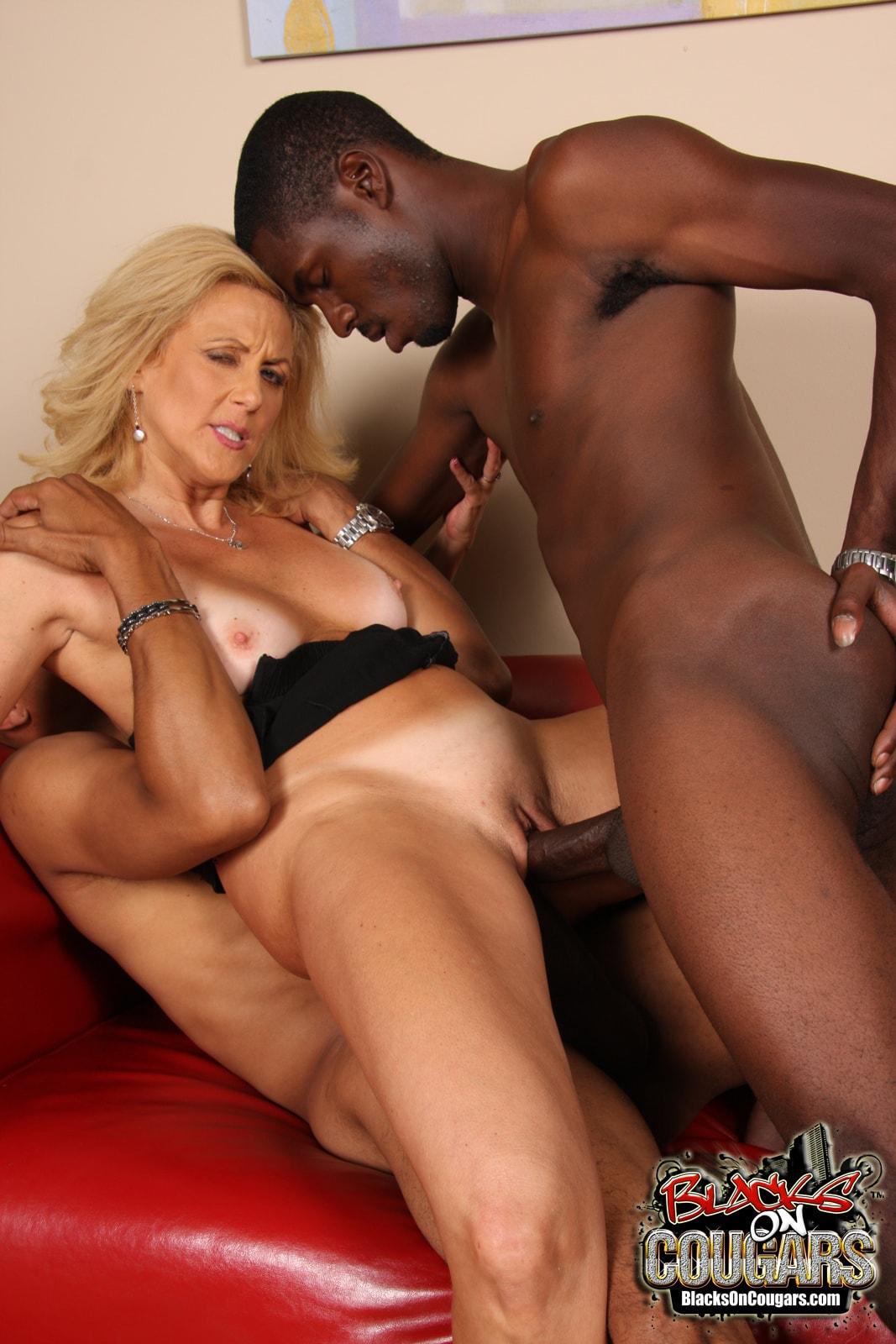 Секс фото со зрелыми негритянками 6 фотография