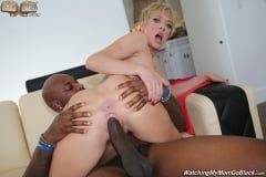 Dee Williams and London River - Watching My Mom Go Black (Thumb 18)
