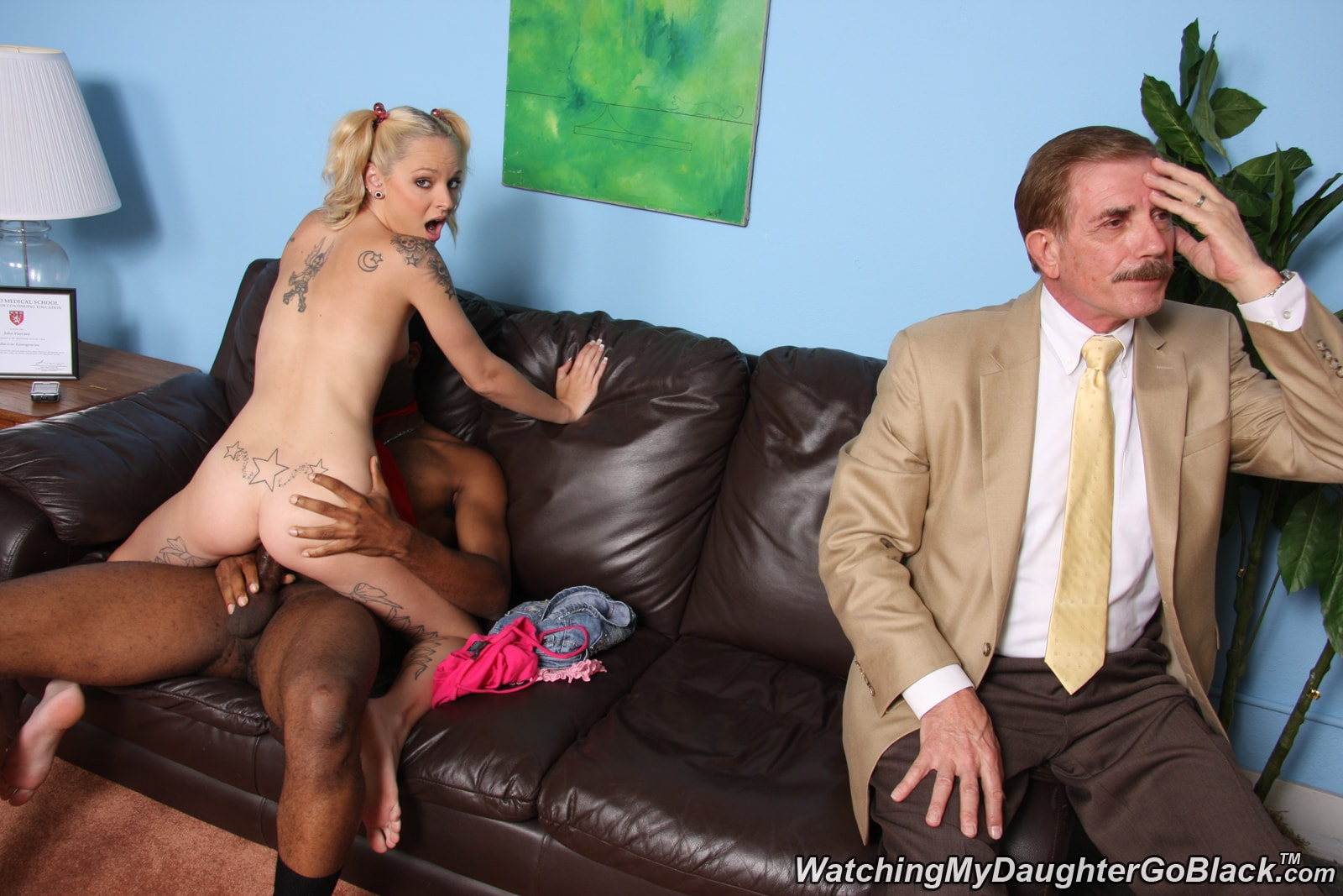 Dogfart 'Faye Runaway - Watching My Daughter Go Black' starring Faye Runaway (photo 17)