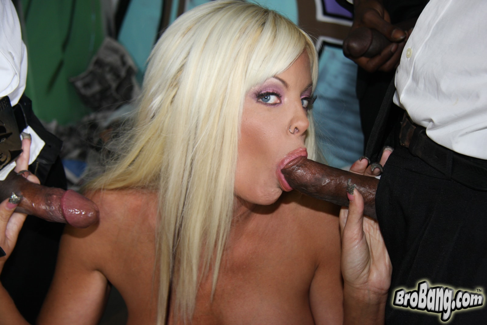 Dogfart 'Jordan Blue - Interracial Blowbang' starring Jordan Blue (photo 16)