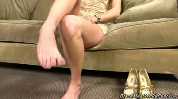 Laura Crystal - Black Meat White Feet