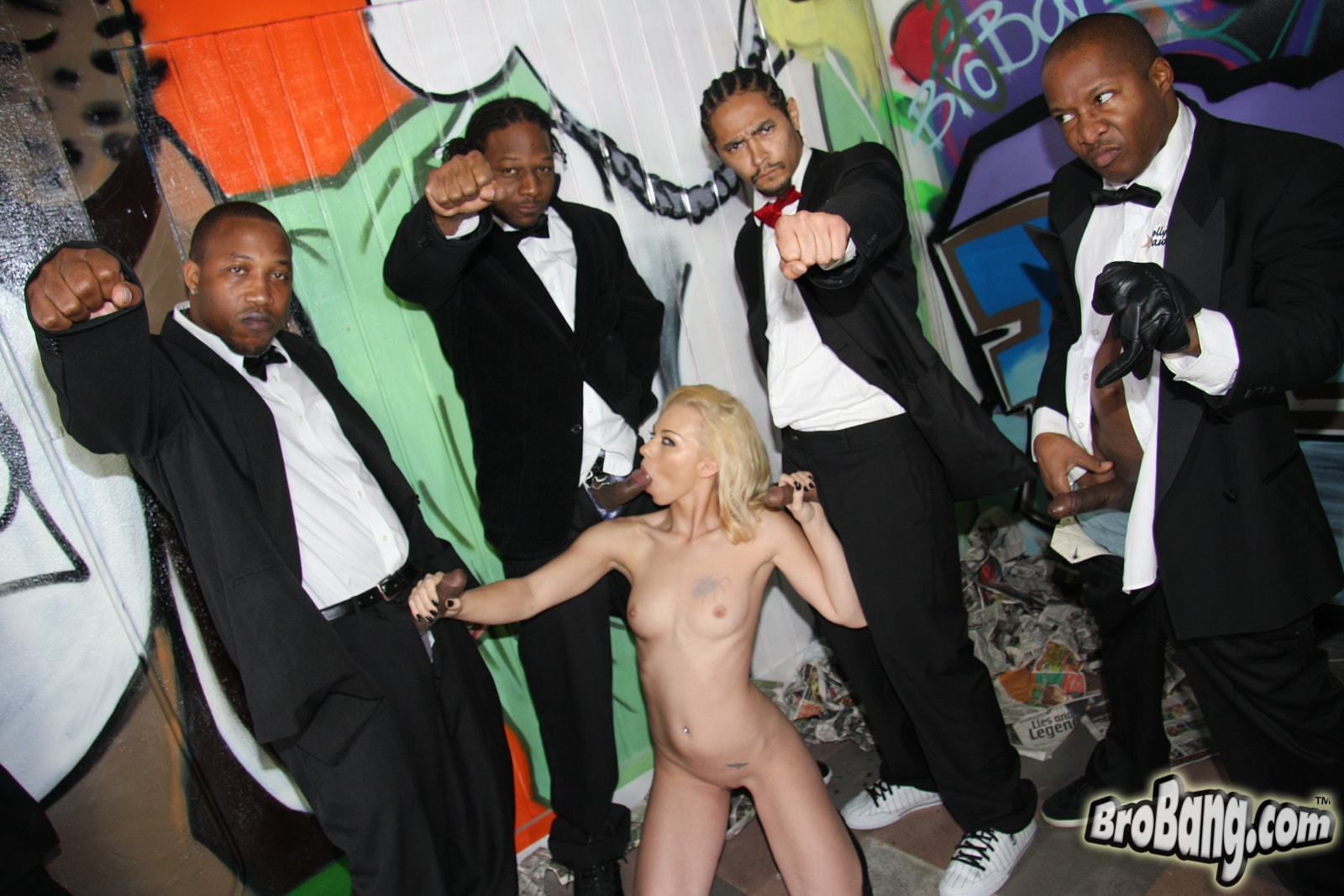 Dogfart 'Melanie Jayne - Interracial Blowbang' starring Melanie Jayne (photo 19)