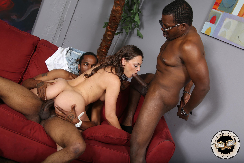 Секс с берковой с неграми, Лена Беркова трахается с двумя неграми - Порно Видео 3 фотография