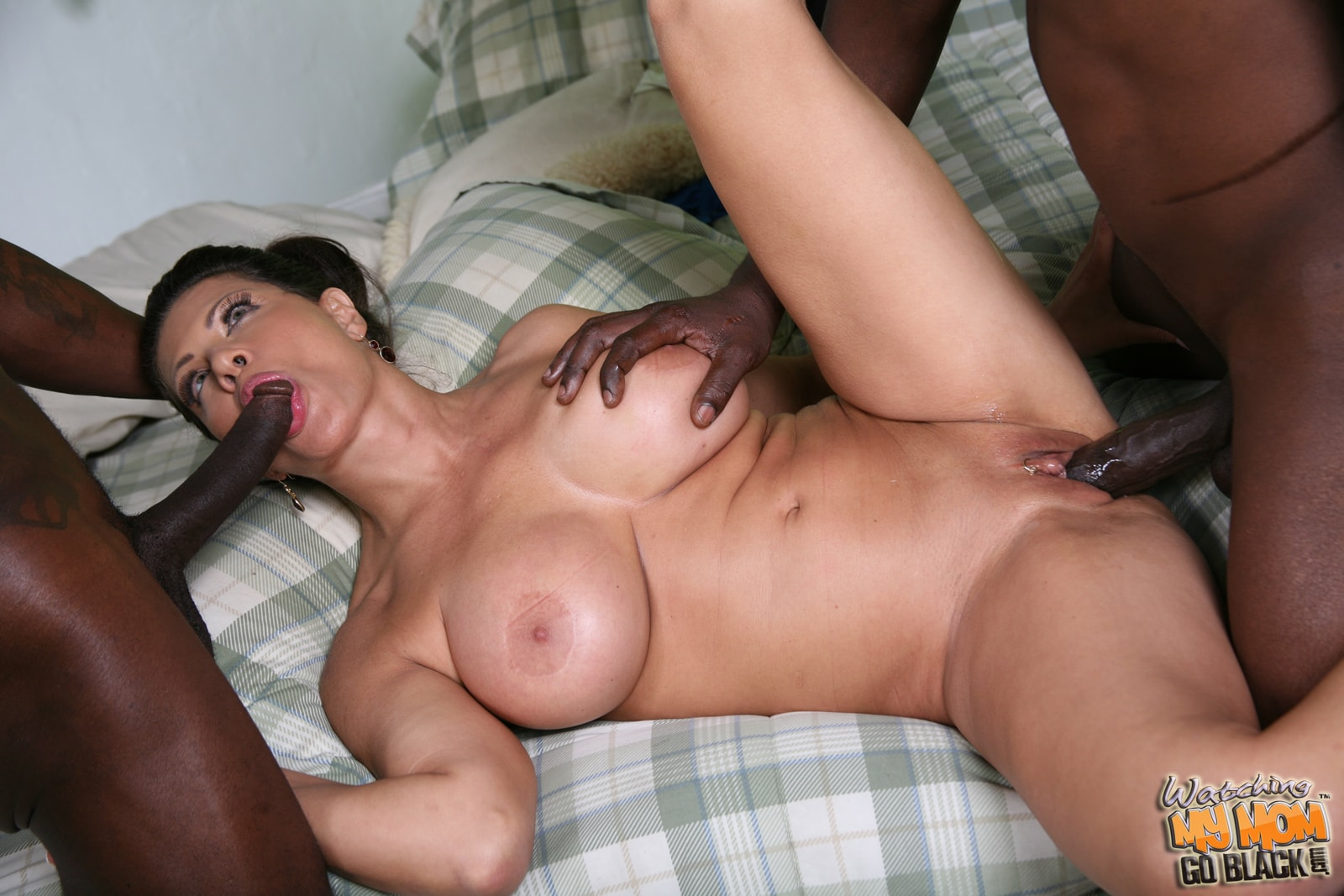 Черная мамаша порно, Черная Мамаша (найденопорно видео роликов) 4 фотография