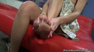 Tiffany Mynx - Black Meat White Feet
