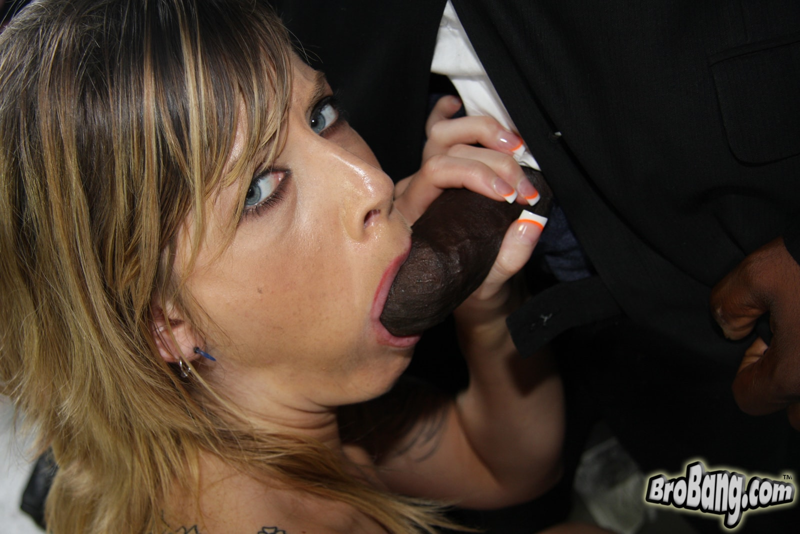 Dogfart 'Tricia Oaks - Interracial Blowbang' starring Tricia Oaks (photo 18)