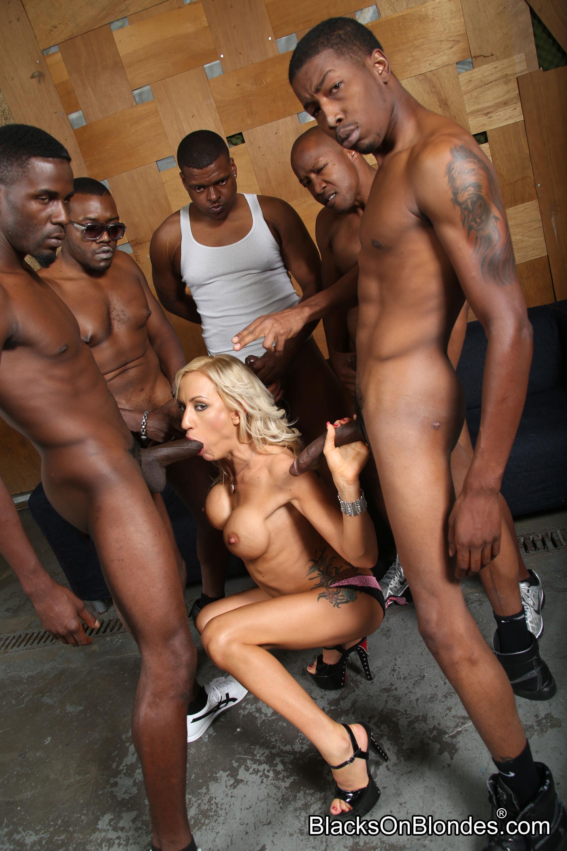 послушный ротик негры разрывают телок парни нетрадиционной сексуальной