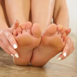 Aidra Fox in 'Dogfart' - Black Meat White Feet (Thumbnail 4)