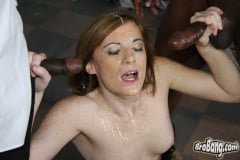 Allison Wyte - Interracial Blowbang (Thumb 28)