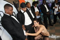Bobbi Starr - Interracial Blowbang (Thumb 20)