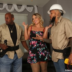 Candice Dare in 'Dogfart' - Interracial Pickups - Scene 2 (Thumbnail 3)