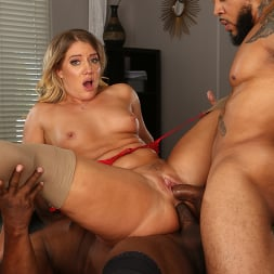 Candice Dare in 'Dogfart' - Interracial Pickups - Scene 2 (Thumbnail 25)