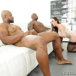 Chanel Preston in 'Dogfart' - Blacks On Cougars (Thumbnail 7)