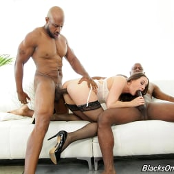 Chanel Preston in 'Dogfart' - Blacks On Cougars (Thumbnail 12)
