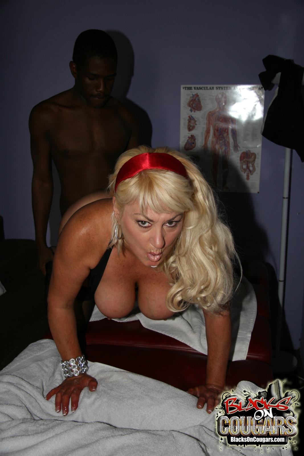Dogfart '- Blacks On Cougars' starring Dana Hayes (Photo 18)
