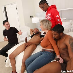 Dee Williams in 'Dogfart' - Cuckold Sessions (Thumbnail 5)