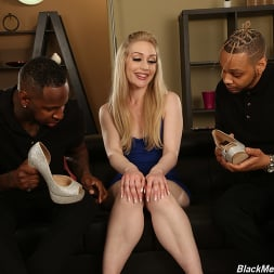 Emma Starletto in 'Dogfart' - Black Meat White Feet (Thumbnail 2)