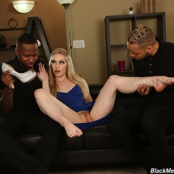 Emma Starletto in 'Dogfart' - Black Meat White Feet (Thumbnail 4)