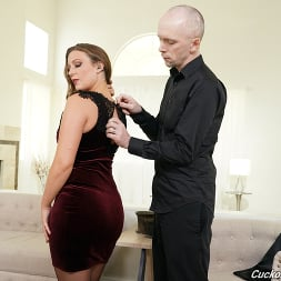 Febby Twigs in 'Dogfart' - Cuckold Sessions (Thumbnail 10)