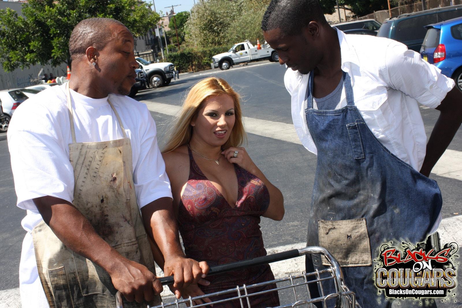 Dogfart '- Blacks On Cougars' starring Friday (Photo 3)
