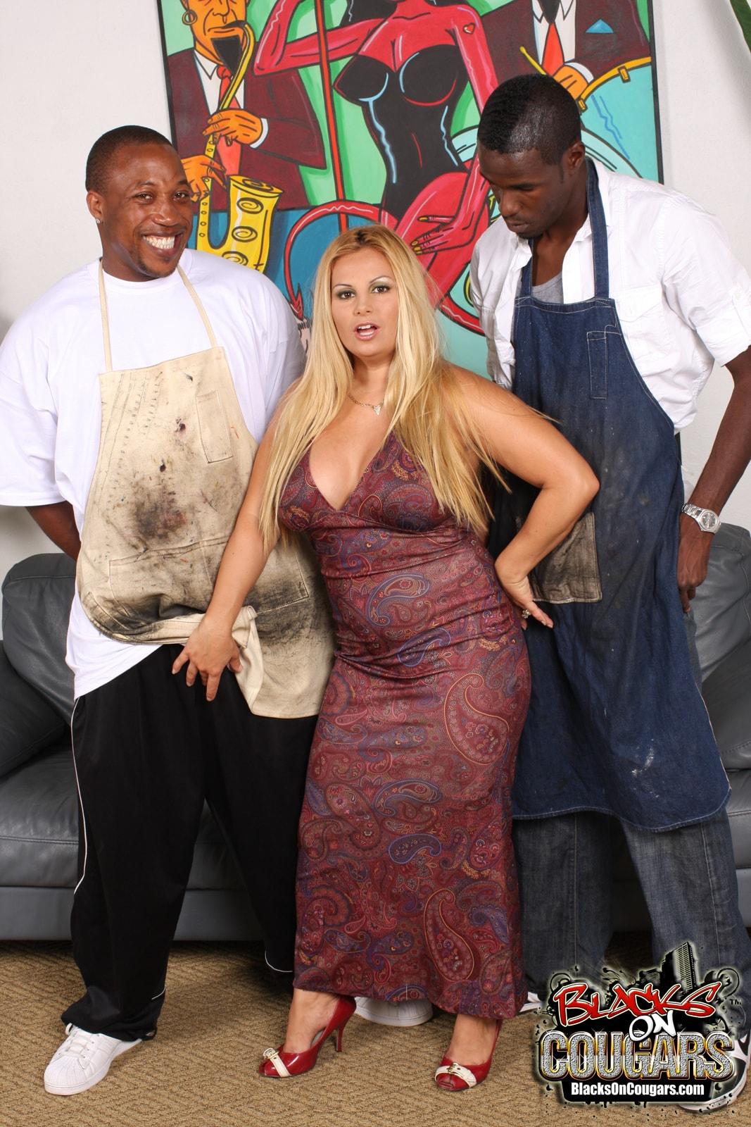 Dogfart '- Blacks On Cougars' starring Friday (Photo 5)
