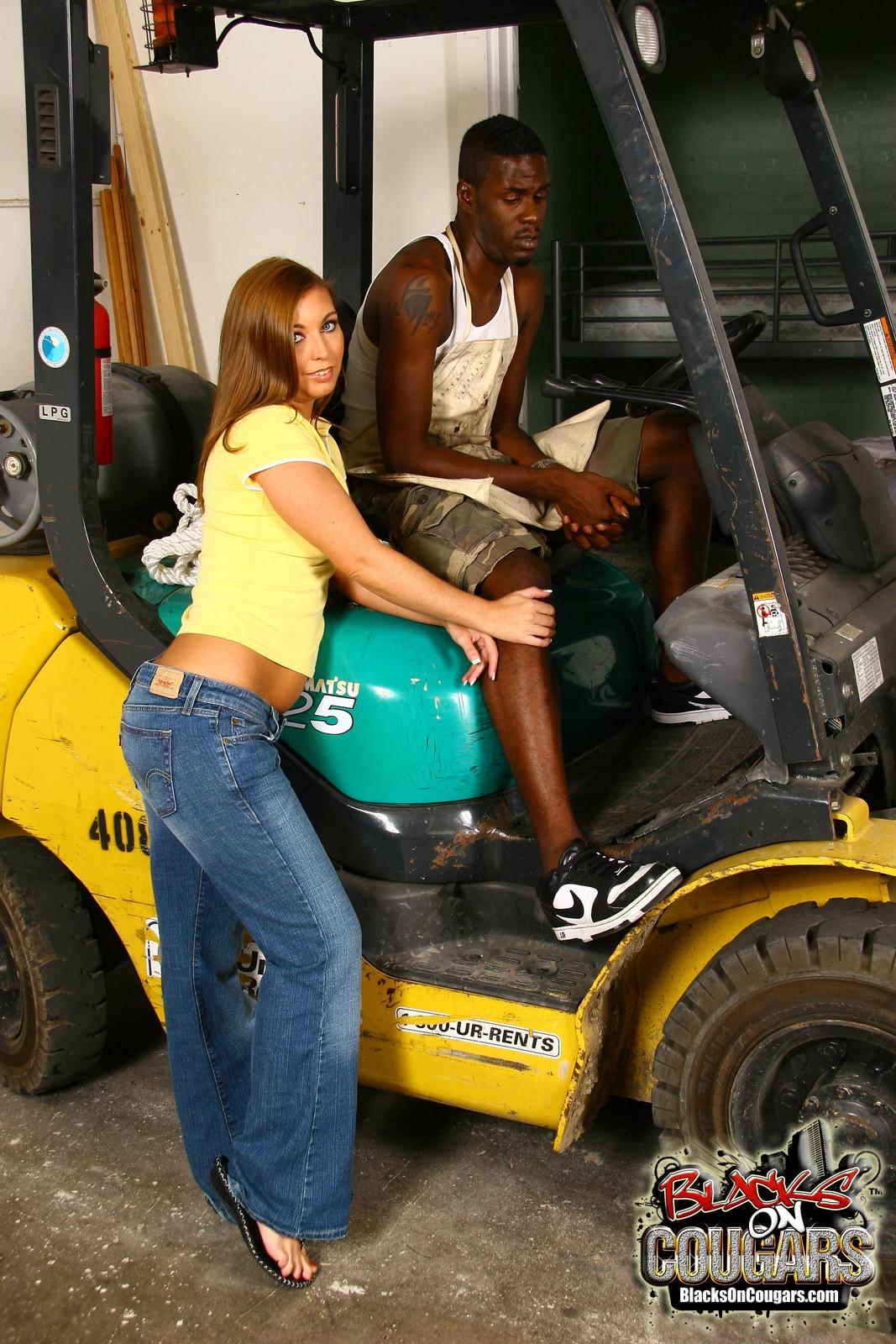Dogfart '- Blacks On Cougars' starring Honey White (Photo 2)