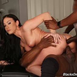 Jennifer White in 'Dogfart' - Blacks On Cougars (Thumbnail 18)