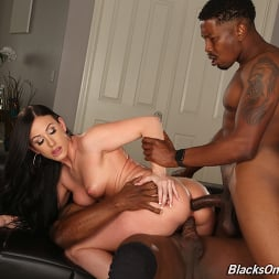 Jennifer White in 'Dogfart' - Blacks On Cougars (Thumbnail 19)