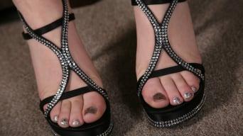 Kagney Linn Karter en '- Black Meat White Feet'