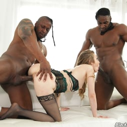 Karla Kush in 'Dogfart' - Blacks On Blondes (Thumbnail 27)