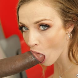 Karla Kush in 'Dogfart' - Glory Hole (Thumbnail 19)