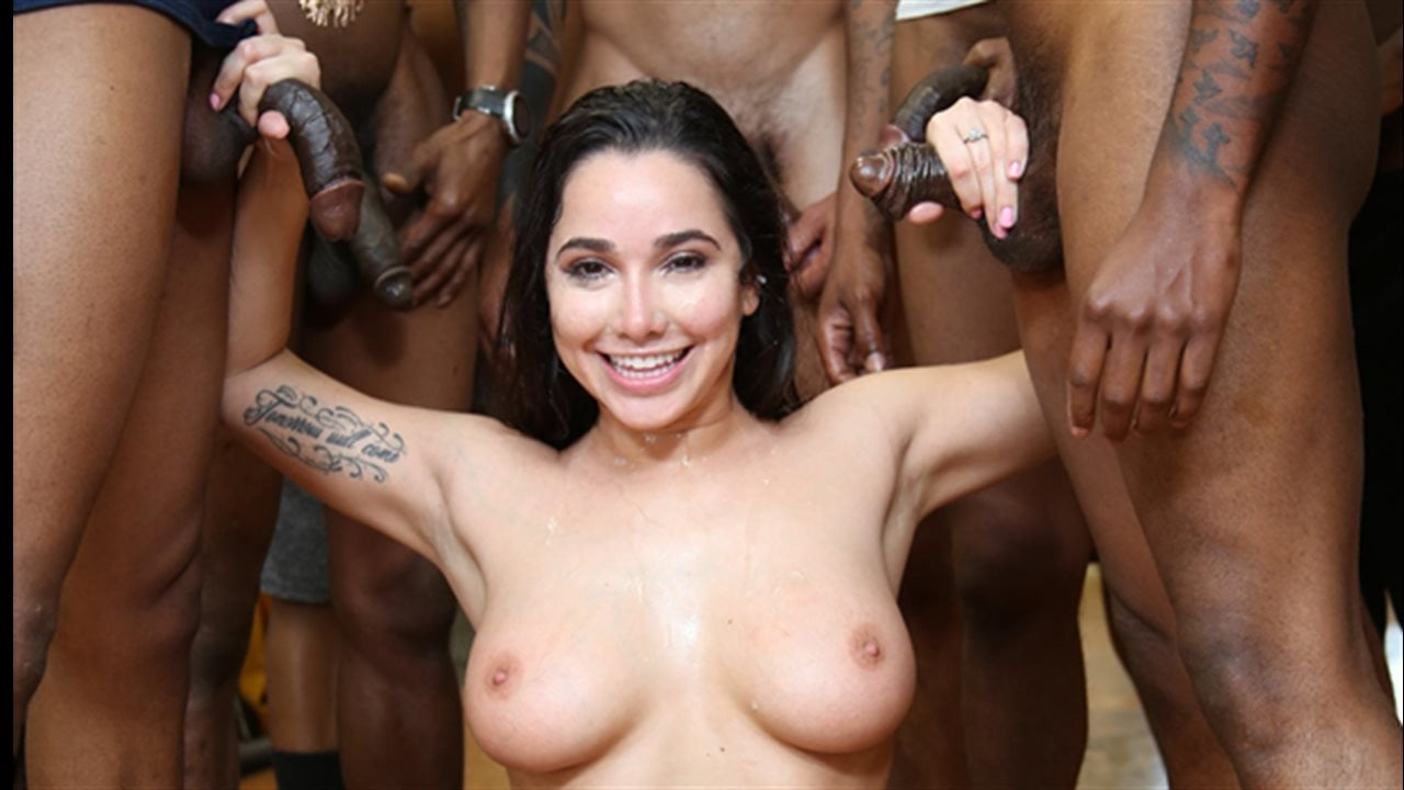 Great looking white beauty mona lee in dogfart interracial action