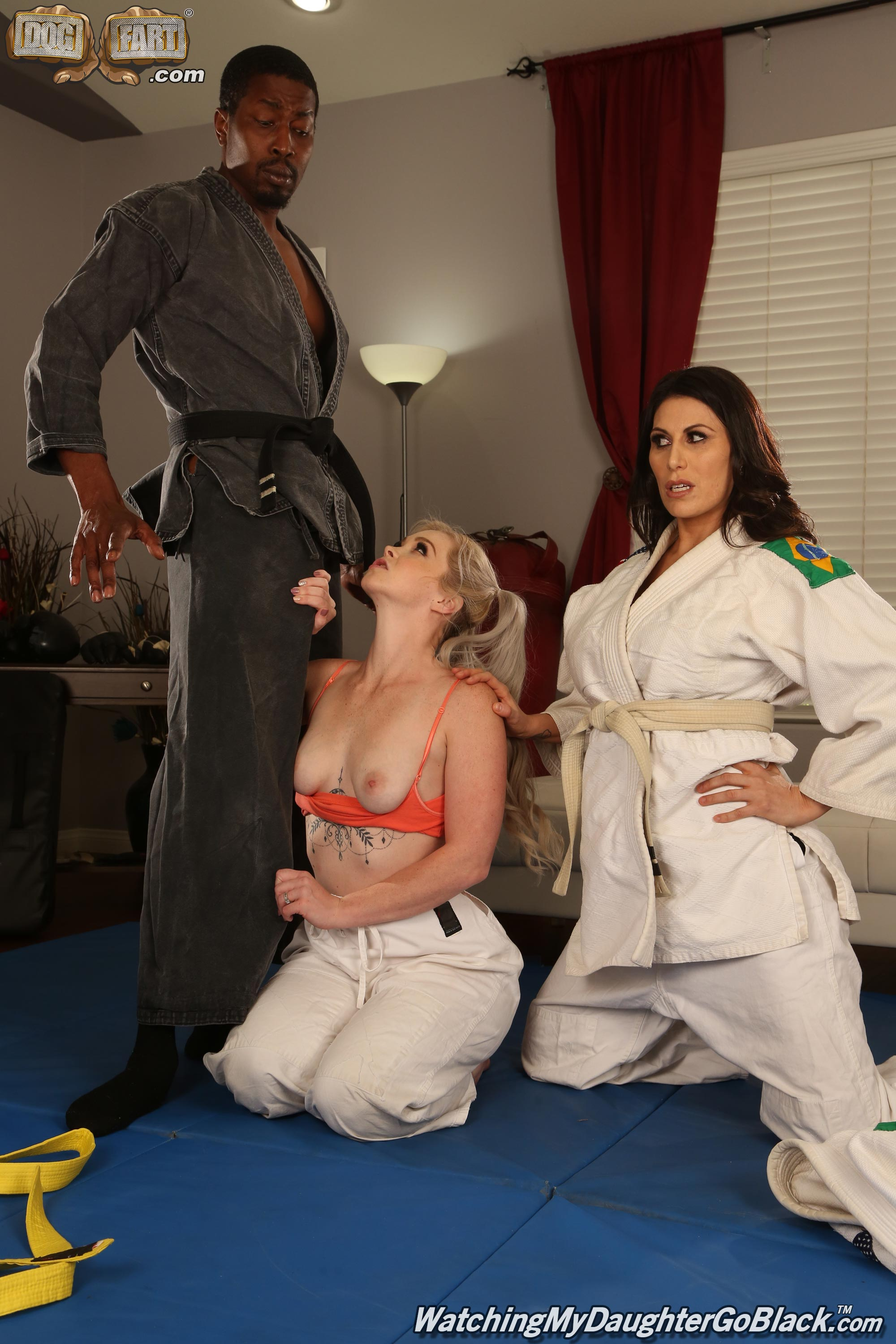 Dogfart 'and Makayla Cox - Watching My Daughter Go Black' starring Kay Carter (Photo 4)