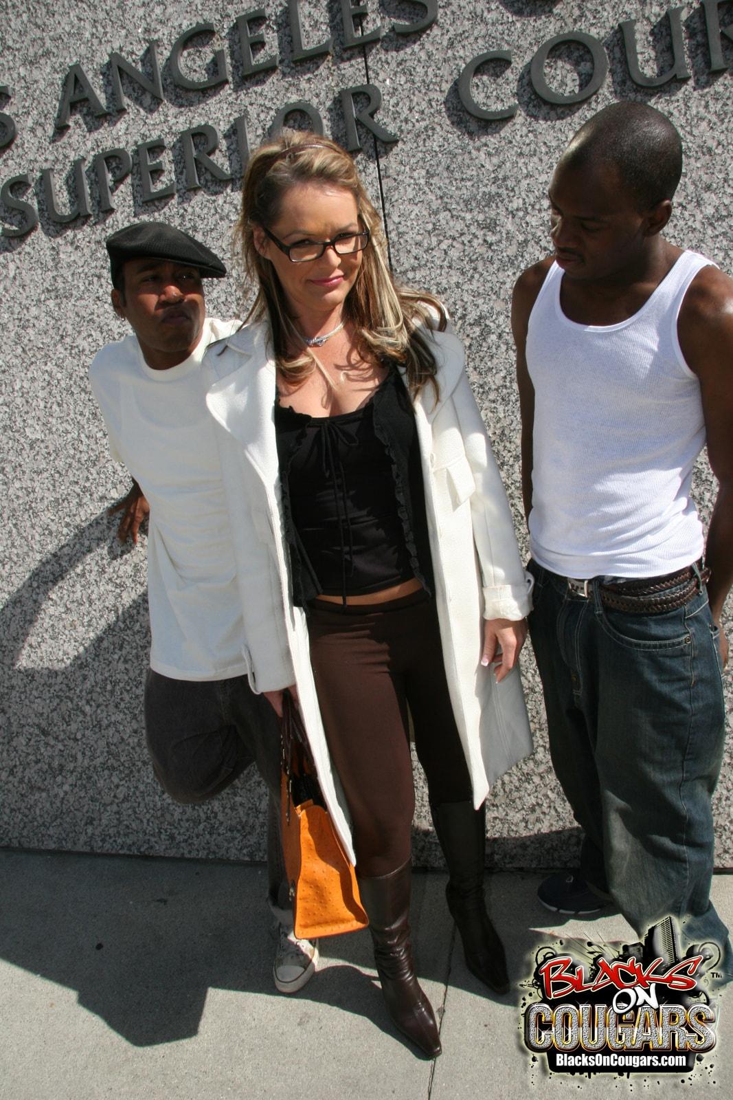 Dogfart '- Blacks On Cougars' starring Kelly Leigh (Photo 3)