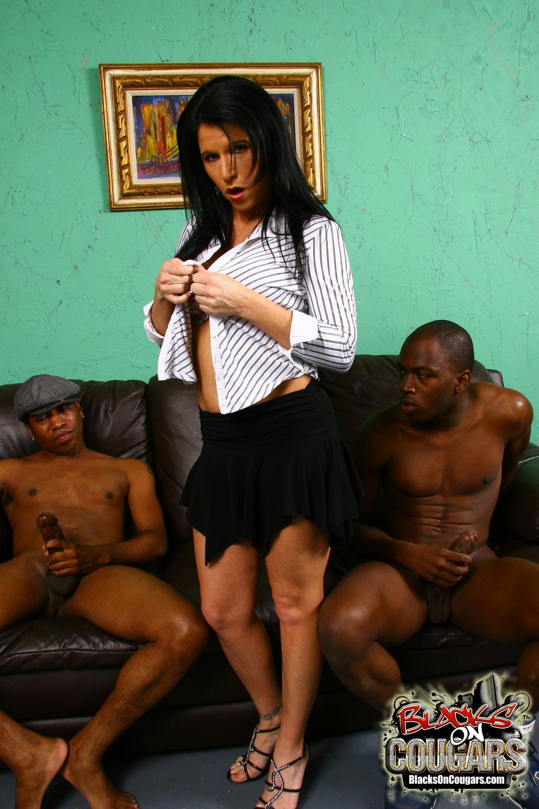 Dogfart '- Blacks On Cougars' starring Kendra Secrets (Photo 11)