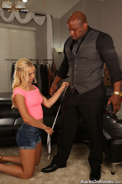 Dogfart '- Blacks On Blondes' starring Lana Sharapova (Photo 2)