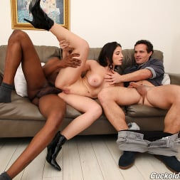 Lasirena69 in 'Dogfart' - Cuckold Sessions (Thumbnail 23)