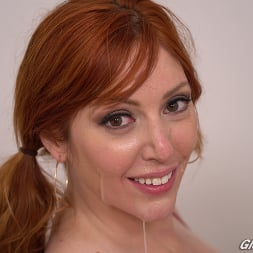 Lauren Phillips in 'Dogfart' - Glory Hole - Scene 2 (Thumbnail 30)