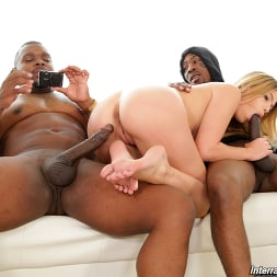 Leah Lee in 'Dogfart' - Interracial Pickups (Thumbnail 14)