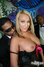 Melanie Monroe - Interracial Blowbang (Thumb 10)