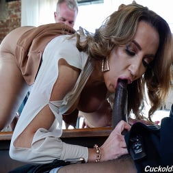 Richelle Ryan in 'Dogfart' - Cuckold Sessions - Scene 2 (Thumbnail 5)