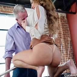 Richelle Ryan in 'Dogfart' - Cuckold Sessions - Scene 2 (Thumbnail 16)